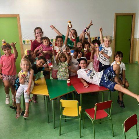 Unos 200 escolares de Fundación Victoria continúan su aprendizaje de inglés en verano